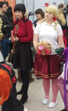 #dontstarve #cosplay Willow and Wendy at #leipzigbookfair2016 Chagi Brightwing Cosplay as Wendy Jenissej from Lucky Bag Cosplay as Willow