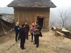 He also discussed precise poverty alleviation plans with them. Three years ago, Xi put forward tasks to reduce poverty in Shibadong village.