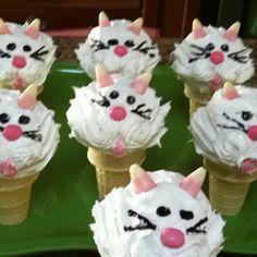 Kitty cat birthday cupcakes