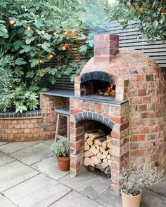 What a glorious weekend! An unexpected sunny evening on Saturday with no plans = wood fired fajita night 🙌🏻 There's just something about… Best Outdoor Pizza Oven, Outdoor Oven, Outdoor Rooms, Outdoor Gardens, Outdoor Living, Garden Pizza, Wood Fired Oven, Garden Cottage, Backyard Projects