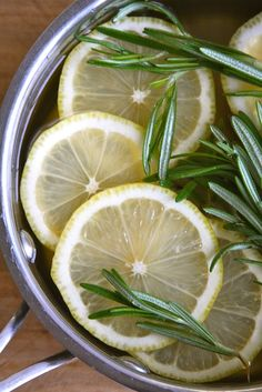 Lemon, Rosemary & Vanilla Simmer blend- leave it simmering away to scent your home.