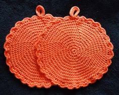 Topflappen für große Köchinnen und Köche    Topflappen Handarbeit        Material: 100% Baumwolle    Herstellungsart: gehäkelt / halbe Stäbchen    ...