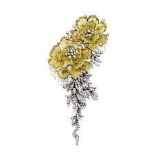 GOLDEN ICY DIAMOND AND DIAMOND 'FLOWER' BROOCH