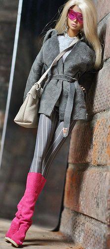 www.ebay.com/itm/dollsalive-fashion-royalty-FR2-The-Think...  /40.6.19 qw