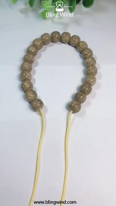 Try this easy adjustable knot for your DIY bracelet. bracelets beads Braid Adjustable Knot For DIY Beaded Bracelet Diy Friendship Bracelets Patterns, Diy Bracelets Easy, Crochet Beaded Bracelets, Knots For Bracelets, Making Beaded Bracelets, Friendship Bracelet Knots, Hemp Bracelet Patterns, Seed Bead Bracelets Tutorials, Fabric Bracelets