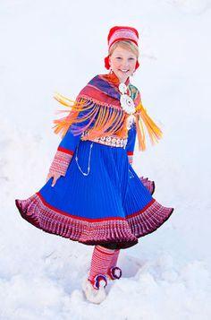 Kautokeino in Finnmarken, Norway, the Sami folk costume Folk Fashion, Ethnic Fashion, Folklore, Costumes Around The World, Folk Costume, Girls Wear, World Cultures, Traditional Dresses, Norway