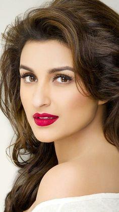 Parineti Indian Actress Hot Pics, Bollywood Actress Hot Photos, Most Beautiful Indian Actress, Beautiful Actresses, Beautiful Love Images, Most Beautiful Faces, Beautiful Girl Image, Lovely Eyes, Cute Beauty