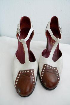 Vintage Roger VIVIER two tone shoes. via Etsy.