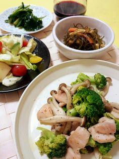 ◇ブロッコリーとしめじ、鶏肉のさっぱり炒め◇キャベツのマリネ◇こんぶの煮物◇にらぬた