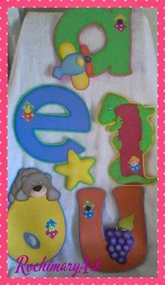 RochiMary Arte en Goma Eva Foam Crafts, Craft Stick Crafts, Preschool Crafts, Crafts To Make, Crafts For Kids, Play School Activities, Baby Quiet Book, Ombre Bob, Class Decoration