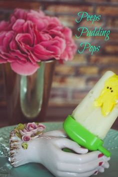 So yummy Frozen Pudding Peeps Pops Recipe. Perfect for Easter