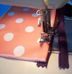 By far the easiest zipped purse tutorial I've seen!
