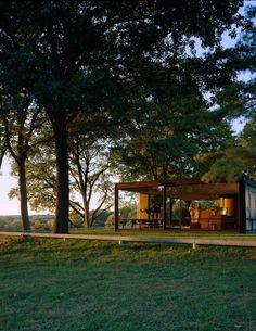 SCANDINAVIAN COLLECTORS : Photo Philip Johnson, New Canaan, Le Corbusier, Glass House, Modern Architecture, Landscape Photography, Beautiful Homes, Beach House, Scandinavian