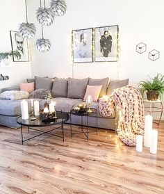 Nothing I love better than finding gorgeous new accounts to follow....I must have been living under a rock, the gorgeous, festive home of @easyinterieur I'm off to hang all my fairy lights after seeing this fantastic space
