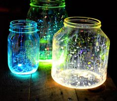 A great ideia for decoration and light! - Glow Jars @Luuux