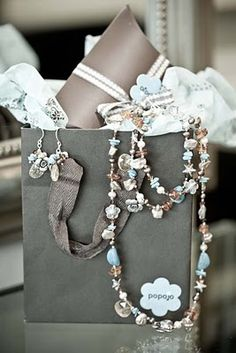 what a great gift idea for bridesmaid!