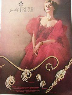 1953 TRIFARI Comet Golden Rhinestone PIN ERS Bracelet JEWELRY Vintage Print Ad