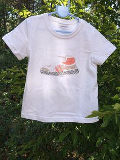 Camiseta Smartyfun-Zapatilla Deportiva Roja