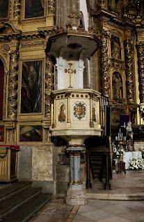 Iglesia de la Candelaria, Zafra. Púlpito del lado del evangelio.