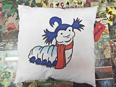 """""""ello"""" """"Did you say hello?"""" """"no I said ello"""" Labyrinth Worm, Labyrinth Movie, Nerd Crafts, Goblin King, Fabric Markers, Jim Henson, Worms, Cartoon Drawings, Designs To Draw"""