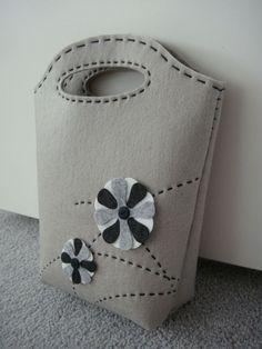 DIY Gray felt bag tutorial: