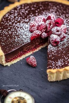 Chocolate tart with raspberries / http://prettybaked.pl / http://facebook.com/prettybakedpl