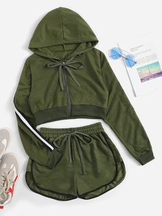 Shop Contrast Taped Side Hooded Top With Shorts online. SHEIN offers Contrast Taped Side Hooded Top With Shorts & more to fit your fashionable needs. Cute Lazy Outfits, Sporty Outfits, Swag Outfits, Summer Outfits, Stylish Outfits, Teen Fashion Outfits, Outfits For Teens, Girl Outfits, School Outfits