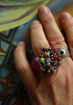 Häkelring mit vielen Glasperlen Crochetring Ring bunt | Etsy Crochet Rings, Colored Glass, Allergies, Bunt, Heart Ring, Glass Beads, Etsy, Jewelry, Ideas Para Fiestas