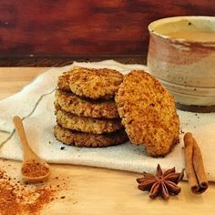 low carb Mexican cookies are a treat to have without doing damage to a low carb or ketogenic diet. They are made with almond flour. Low Carb Desserts, Sweet Desserts, Low Carb Recipes, Dessert Recipes, Low Sugar Cookies, Spice Cookies, Mexican Cookies, Slow Carb Diet, Creamed Onions