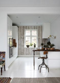 Fill in the Design _____: Danish Kitchen Wallpaper Reveal Home Interior, Interior Design Kitchen, Interior Architecture, Interior Styling, Küchen Design, Home Design, Rustic Design, Design Ideas, Design Inspiration