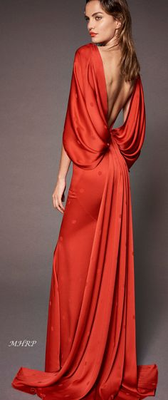 Zac Posen Resort 2019 New York Collection - Vogue News Fashion, Fashion Mode, Look Fashion, Couture Fashion, Runway Fashion, High Fashion, Fashion Show, Fashion Design, Fashion Trends