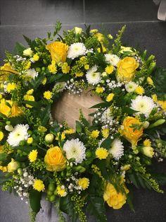 Loose wreath Mason Jar Flower Arrangements, Mason Jar Flowers, Mason Jars, Funeral Flowers, Wedding Flowers, Cemetery Flowers, Wreaths And Garlands, Garden Projects, Victorian Fashion