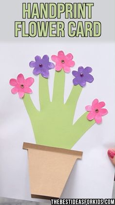 HANDPRINT FLOWER CARD 🌸 - such a beautiful keepsake craft for Mother's Day! An easy Mother's day card made by kids. Preschool mother's day craft for kids. crafts for kids for teens to make ideas crafts crafts Easy Mother's Day Crafts, Cute Kids Crafts, Mothers Day Crafts For Kids, Spring Crafts For Kids, Preschool Crafts, Easter Crafts, Diy For Kids, Mothers Day Cards Craft, Summer Art Projects