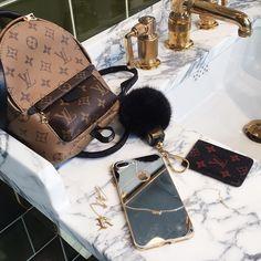LV Shoulder Tote Louis Vuitton Handbags New Collection to Have LV Handbags Luxury Handbags, Louis Vuitton Handbags, Fashion Handbags, Purses And Handbags, Fashion Bags, Louis Vuitton Monogram, Designer Handbags, Cheap Handbags, Womens Fashion