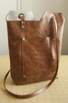 Leather Minimalist Tote Bag // Leather Hide Store Giveaway!