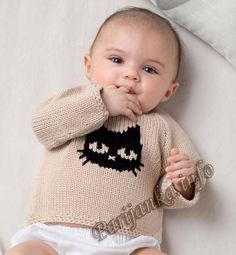 Very cute silver grey baby jac Knitting Books, Knitting For Kids, Baby Knitting, All Free Crochet, Crochet Baby, Ropa Free People, Pull Bebe, Baby Cardigan, Free Baby Stuff