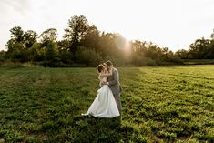 Stilly Brook Farm Wedding. Summer wedding inspo. Jeff and Rebecca Photography and Film. #stillybrookfarm #arlingtonwedding #stillybrookfarmwedding #stillybrookfarmweddingphotographer #seattleweddingphotographer #snohomishwedding #snohomishweddingphotographer Wedding Summer, Farm Wedding, San Diego Wedding, Seattle Wedding, Traditional Wedding, Wedding Couples, Wedding Portraits, Portrait Photography, Bride