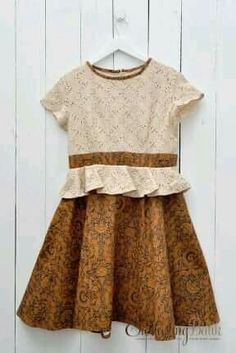 Friska Peplum Sogan Batik Dress a Blouse Batik, Batik Dress, Batik Fashion, Girl Fashion, Dress Batik Kombinasi, Batik Couple, African Inspired Clothing, Batik Kebaya, Dress Anak