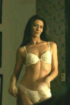 Maria Fernanda Cândido chama a atenção nas redes socias pela boa forma aos 40 anos