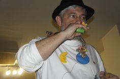 Espectáculo poético «A poesía é un globo», de Fran Alonso, Biblioteca Municipal de Gondomar. Noite na Biblioteca de Espazo Lectura, 2010.