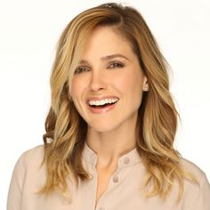 I just love Sophia Bush Sophia Bush Shares All Her Beauty Secrets | Daily Makeover