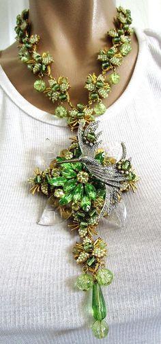 STANLEY HAGLER Gorgeous Peridot Green Crystal  Hummingbird Necklace