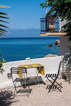 decordemon: A RENOVATED GREEK FISHERMAN'S HOUSE