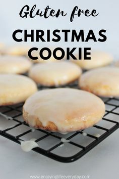 Here you will find the best recipe for gluten free Russian Tea Cookies Pryaniki. Pryaniki are cake-like vanilla cookies that are coated with icing all around. For good reason are those cookies so popular all around the world, plus they are easy to make 😊 no nuts #teacookies #christmascookies #christmasbaking #snowballcookies #vanillacookies #glutenfreebaking #glutenfreecookies #glutenfreechristmascookies Gluten Free Christmas Cookies, Gluten Free Cookies, Gluten Free Baking, Gluten Free Desserts, Easy Family Meals, Family Recipes, Russian Tea Cookies, Healthy Dessert Recipes, Cookie Recipes