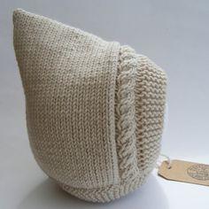 Creme Pixie Bonnet Baby Pixie Hut Merino & von WoollywonderKnits                                                                                                                                                                                 Mehr