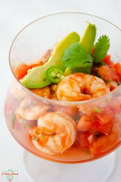 This scrumptious Mexican shrimp cocktail is an easy meal that your family will love. Learn how to make this coctel de camarones at home with less than 10 ingredients. This meal takes less than 30 minutes to prepare. Ideal for Lenten season | How to cook shrimp | Shrimp recipe ideas | Mexican dish | #lentenrecipes #recipesforlent #easyrecipe