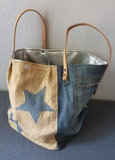 shopping bags from old jeans Diy Jeans, Jeans Denim, My Bags, Purses And Bags, Tote Bags, Jean Purses, Denim Purse, Denim Ideas, Denim Crafts