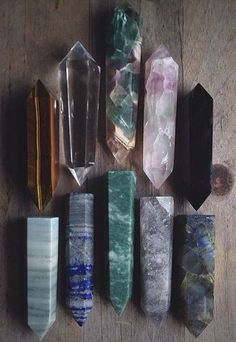 tiger eye clear quartz fluorite pink fluorite obsidian green wood jasper lapis aventurine rutilated quartz and labradorite - polished crystal points Crystal Magic, Crystal Grid, Clear Crystal, Minerals And Gemstones, Rocks And Minerals, Quartz Clair, Mineral Stone, Rocks And Gems, Healing Stones
