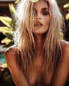 beach wavy hair joy corrigan model hair dirty blonde hair balayage bianca hillier