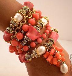 Купить Ловцы жемчуга Браслет РЕЗЕРВ с розовым кораллом жемчугом(СерьгиКольцо) - кремовый, женский браслет